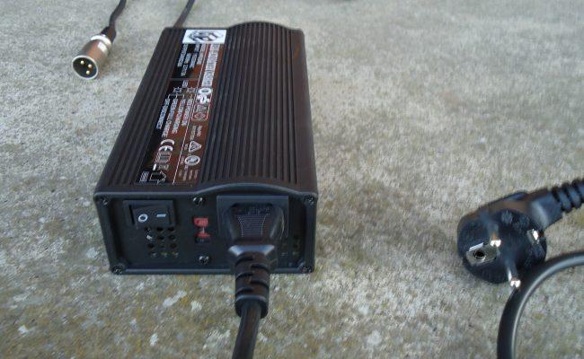 Batterieladegerät2